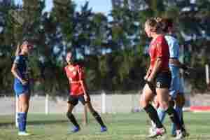 Las Diablas se siguen preparando para el debut en el nuevo torneo del fútbol femenino en la Argentina.