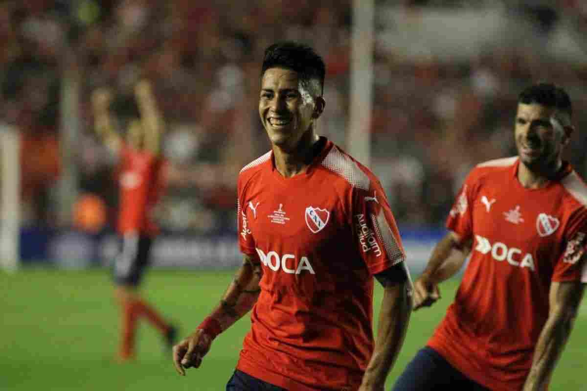 Maxi Meza festa su gol ante el Flamengo