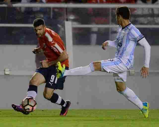 Independiente y Atlético Tucumán en el último encuentro por Copa Sudamericana.