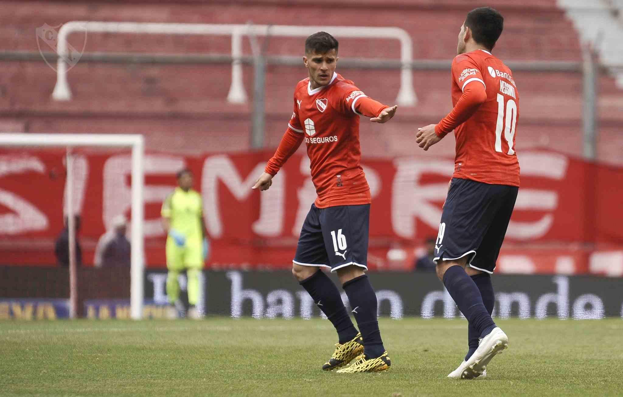 Messiniti marcó por 3 ante Vélez