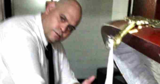 Se entregó Diego Molina, uno de los funebreros que le sacó fotos a Maradona