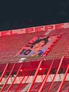 El homenaje a Maradona en el Libertadores de América