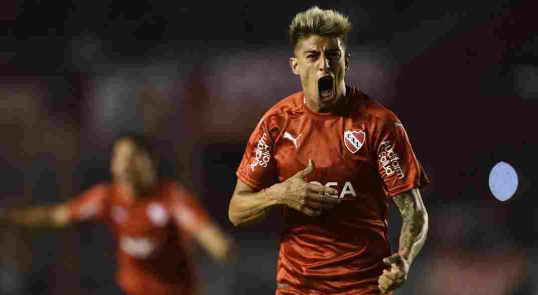 Emiliano Rigoni gritando con el corazón, con la de Independiente