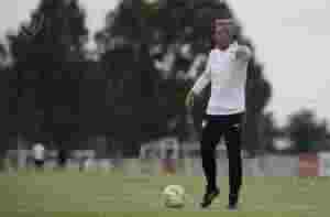 Lucas Pusineri dejó de ser el entrenador del Rojo