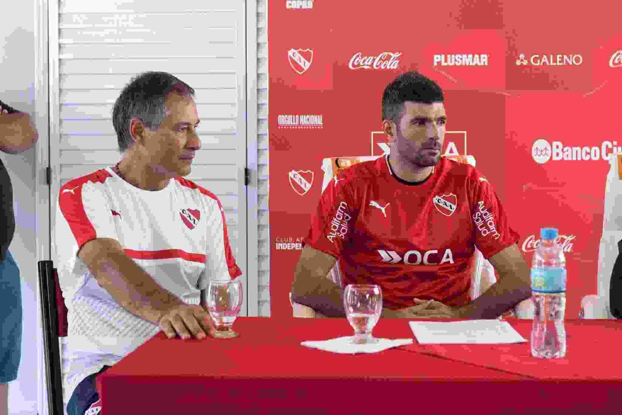 Ariel Holan ya dirigió al Puma Gigliotti en el Rey de Copas cuando obtuvieron dos títulos