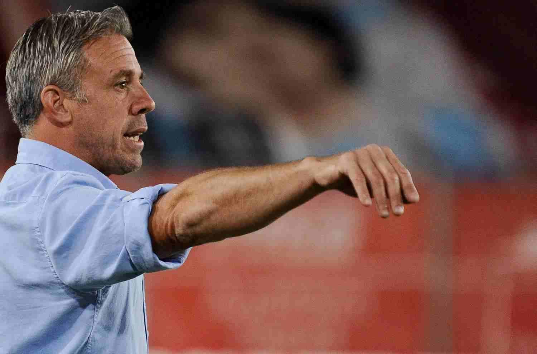 Lucas Pusineri podría volver a dirigir al fútbol argentino