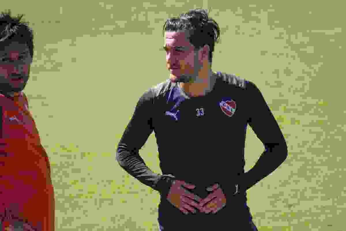 Francisco Pizzini podría abandonar el club pese al deseo de Julio Falcioni.