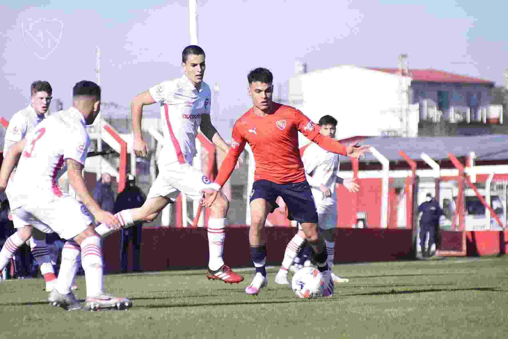 Tomás Pozzo fue la figura de la Reserva de Independiente en la goleada ante el Bicho.