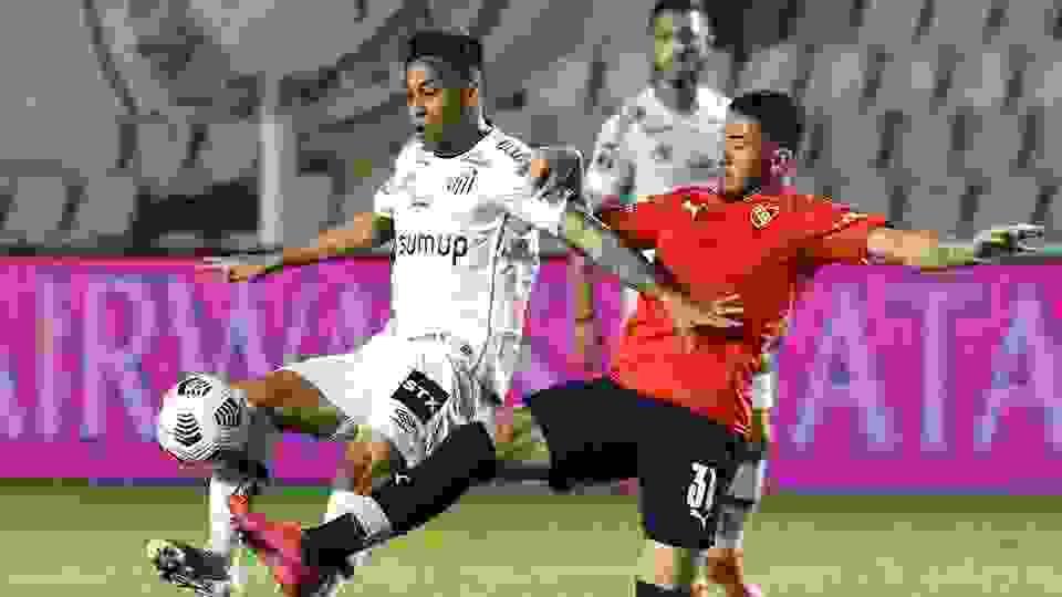 Se conoció una pésima noticia para Santos antes de la vuelta con Independiente
