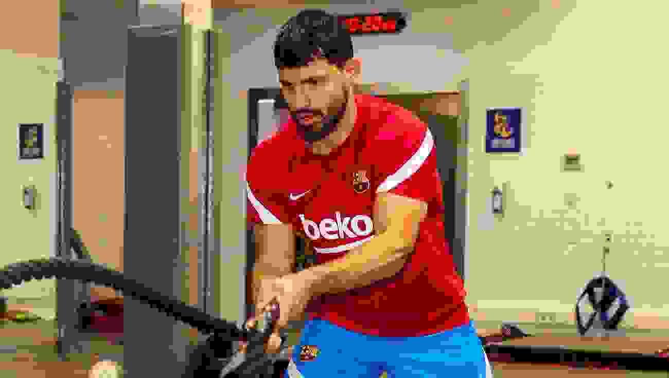 El Kun Aguero está transitado la última etapa de su lesión muscular y pronto podrá hacer su debut con el Fútbol Club Barcelona.