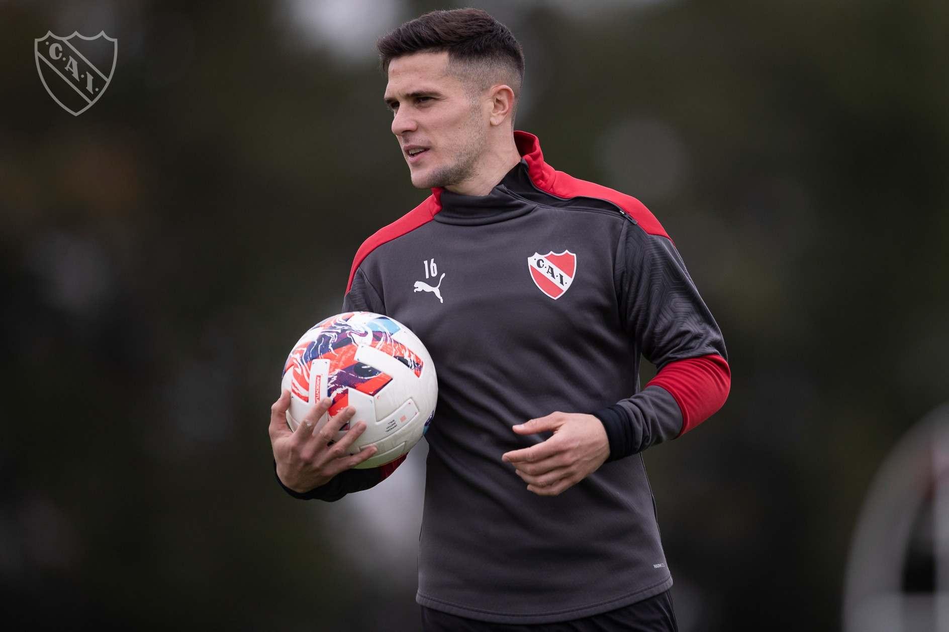 Fabri Bustos viene en un claro ascenso futbolístico e Independiente necesita mucho de él.