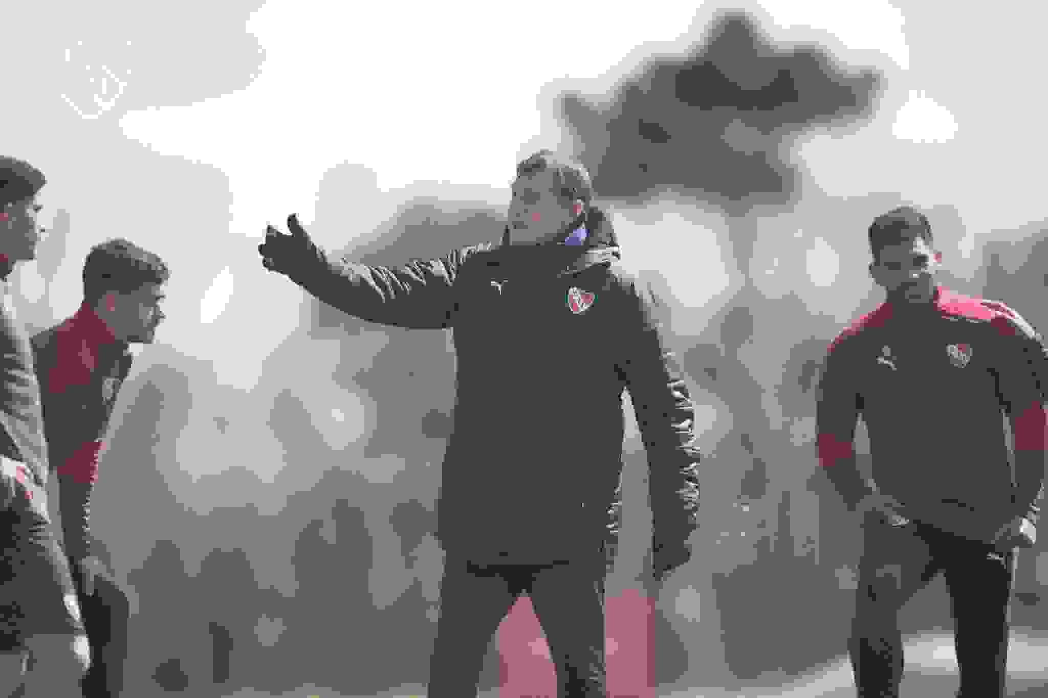 Julio César Falcioni deberá evaluar cuál es la mejor opción para reemplazar al colombiano, uno de los titulares del equipo.
