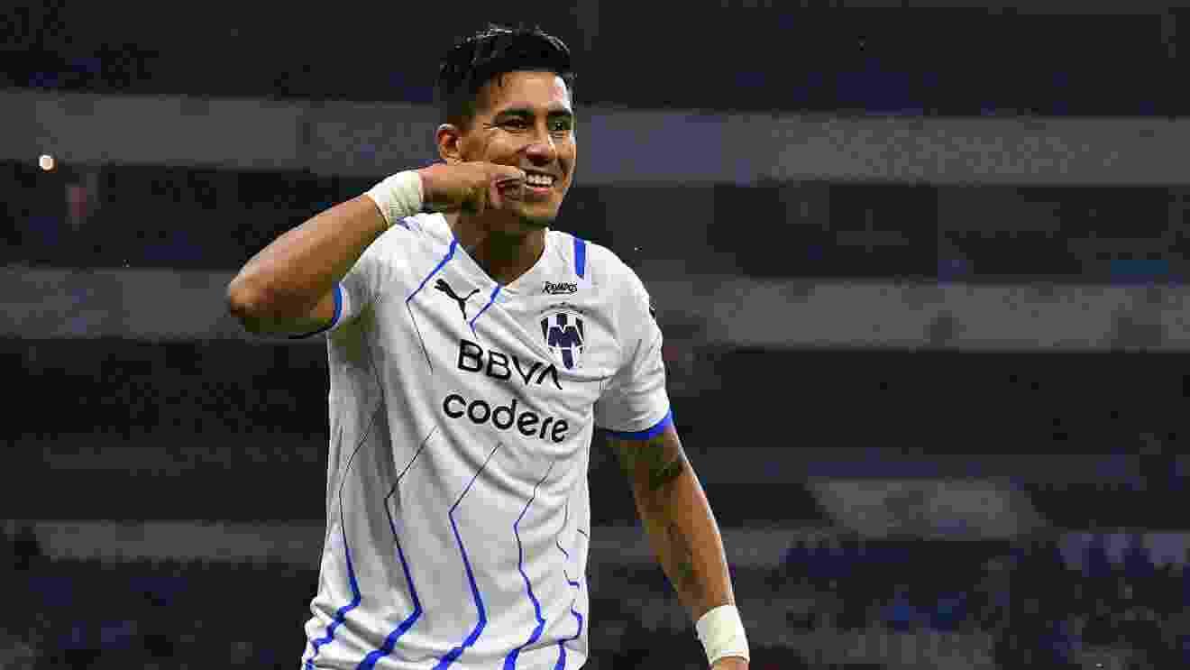 Lo festeja como un nene. Maximiliano Meza convirtió un gol muy importante y ahora jugará la final del torneo.