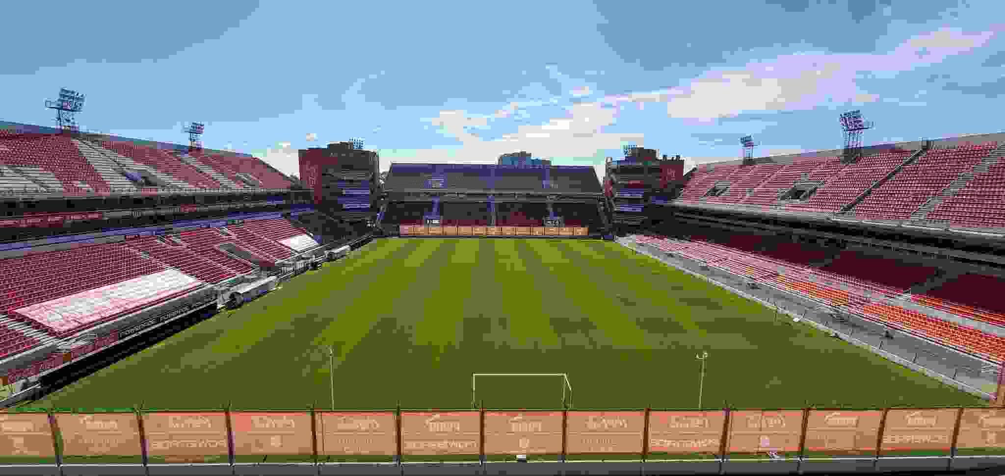 San Lorenzo viene a la carga por un pilar en la estructura de Independiente