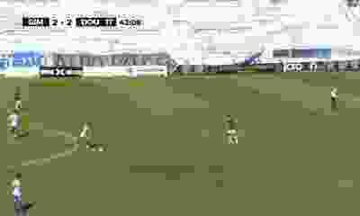 Un ex Independiente clavó un golazo de mitad de cancha