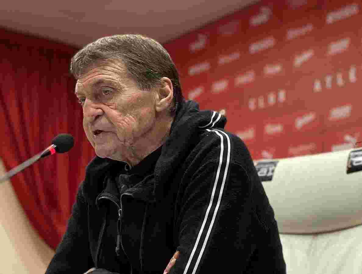Julio Falcioni se quejó sobre las faltas reiteradas y apuntó al árbitro